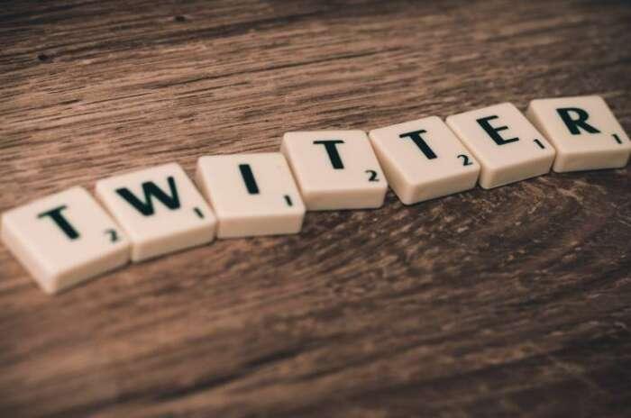 ツイートの埋め込みは著作権違反?