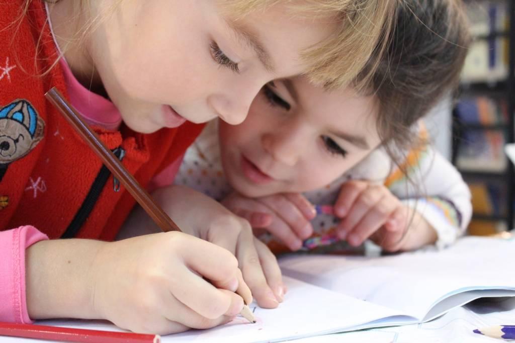 子供に勉強などを教えるコツと、親が教える時の3つの考え方