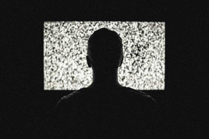 テレビを見ていると馬鹿になる