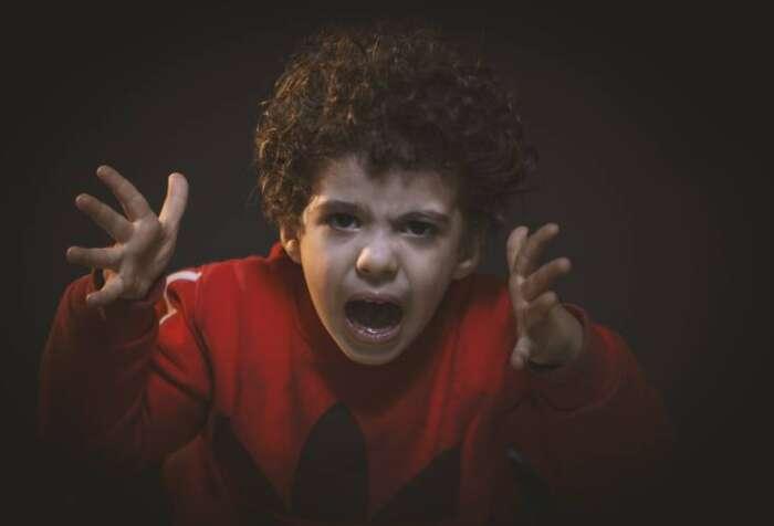 子供が癇癪を起こした時に対処する方法