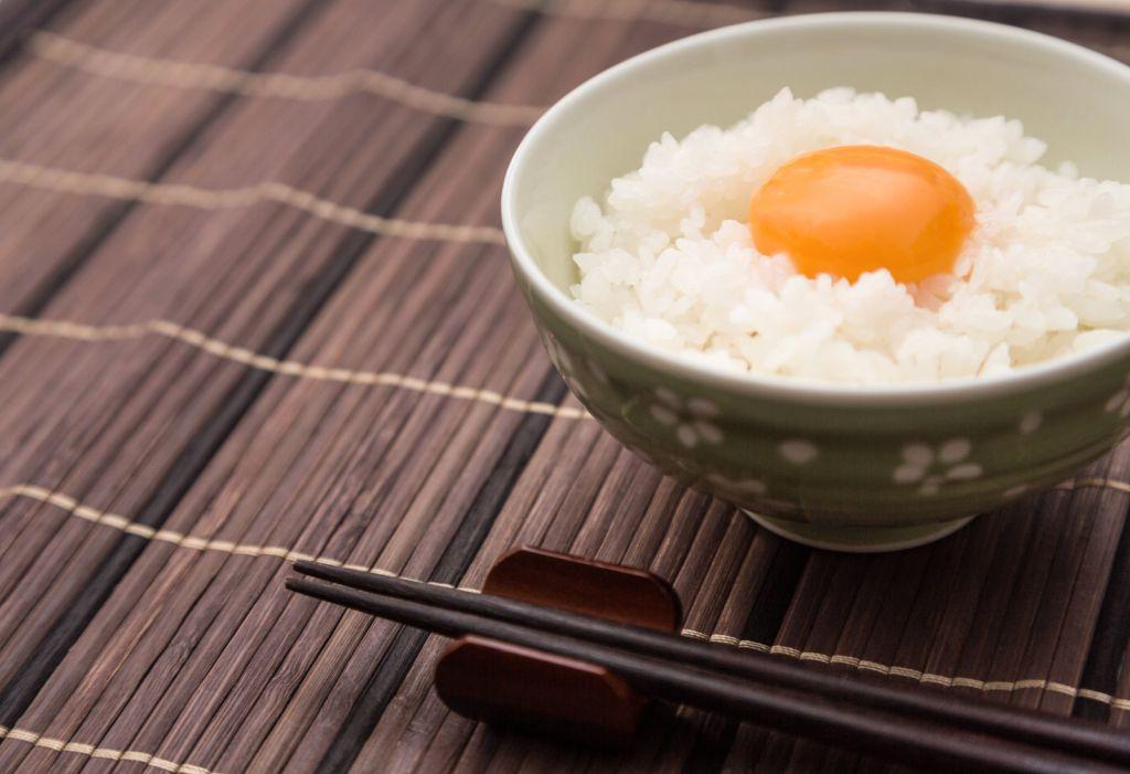 夜中に簡単に食べるなら卵かけご飯