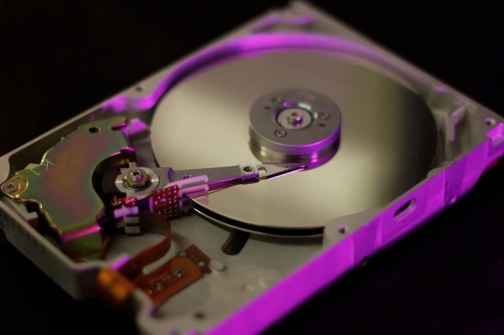 外付けHDD(ハードディスクドライブ)とは?