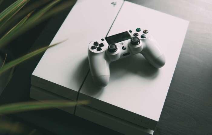 PS4の容量は500Gで十分?ゲームをダウンロード版か、パッケージ版を買うかで決めよう!