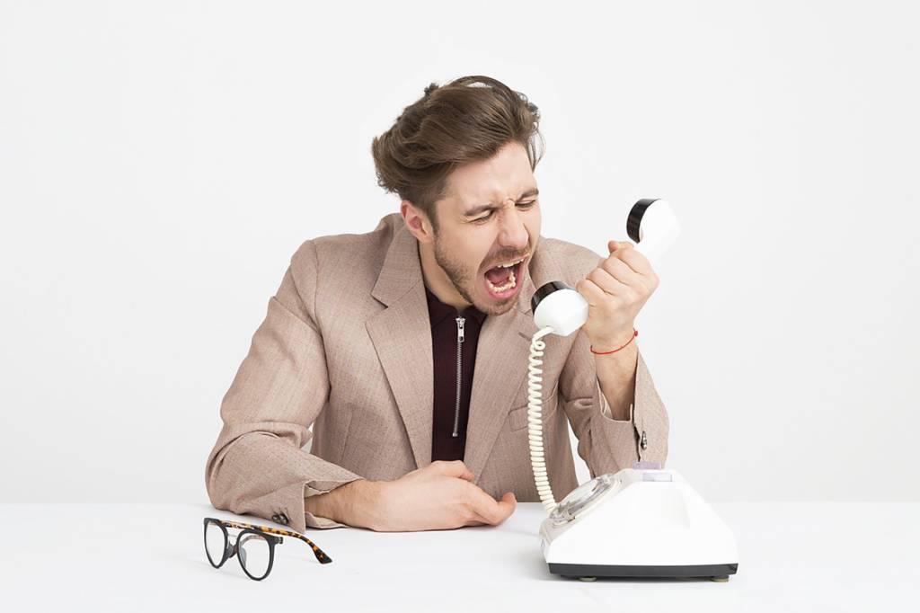 上司や取引先が言う事が変わって疲れる時の対処方法