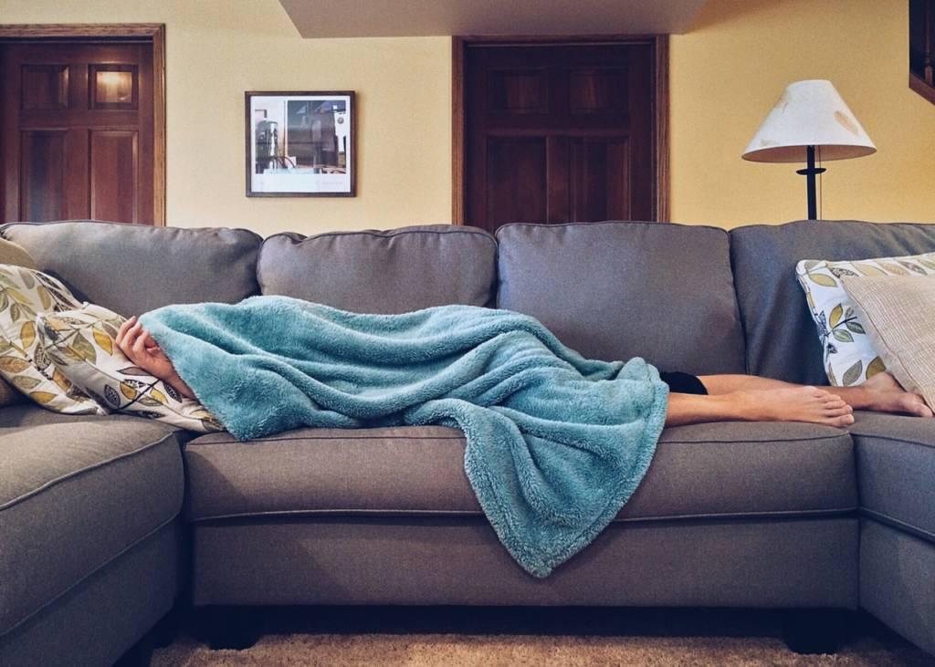 外食でデブになって眠くなるのは?