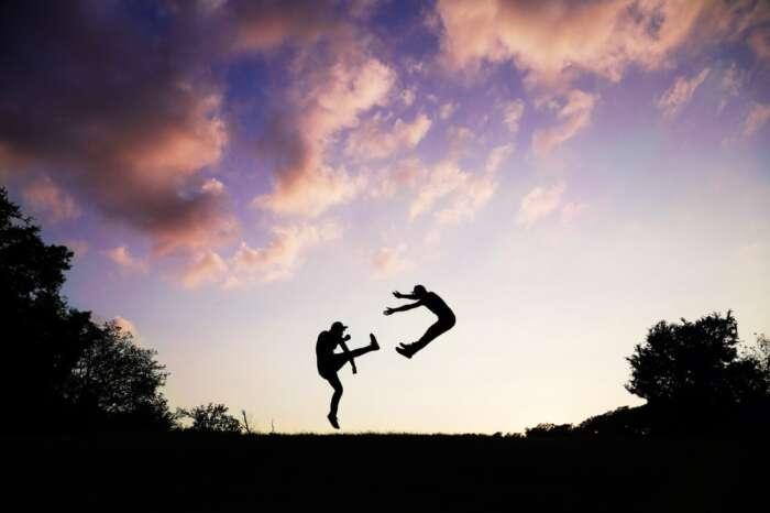 人は考えが変わったり、言っている事が変わるのも当たり前。気にしすぎると疲れますよ。