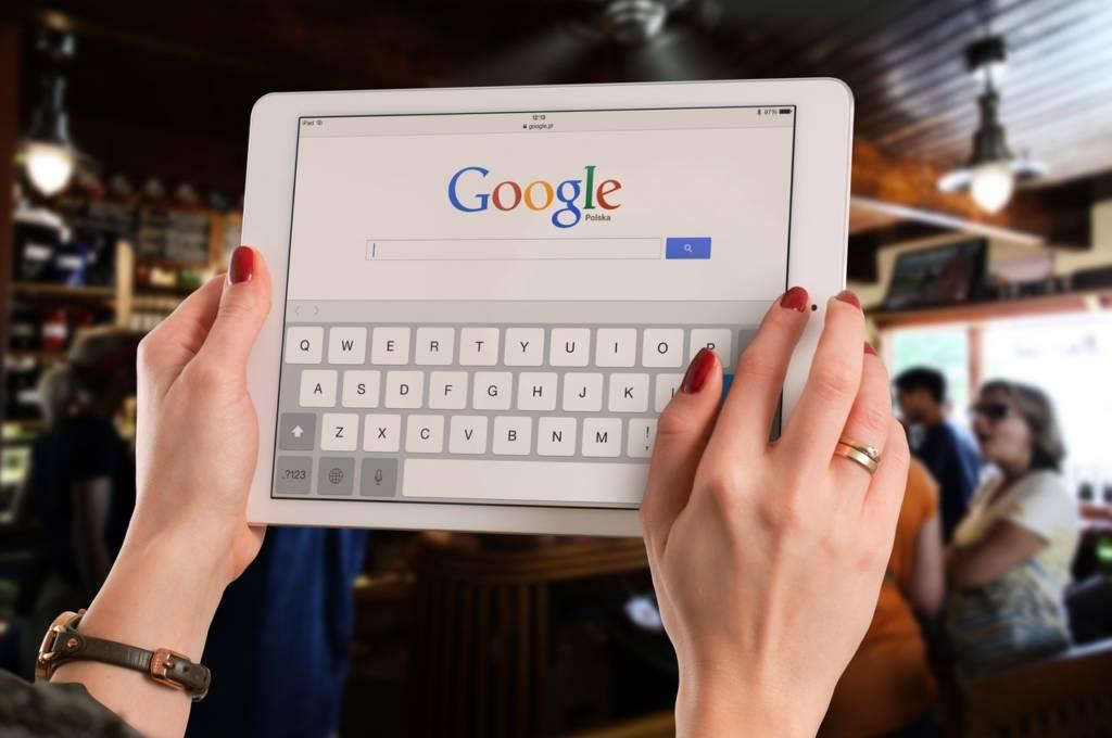 Google検索で特定のキーワードを除外する方法