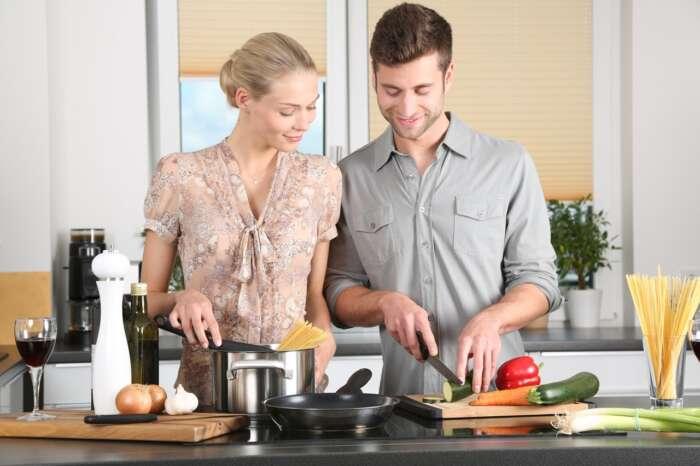 夫婦で料理を一緒にするのはおすすめ【男も料理をして楽しむ】