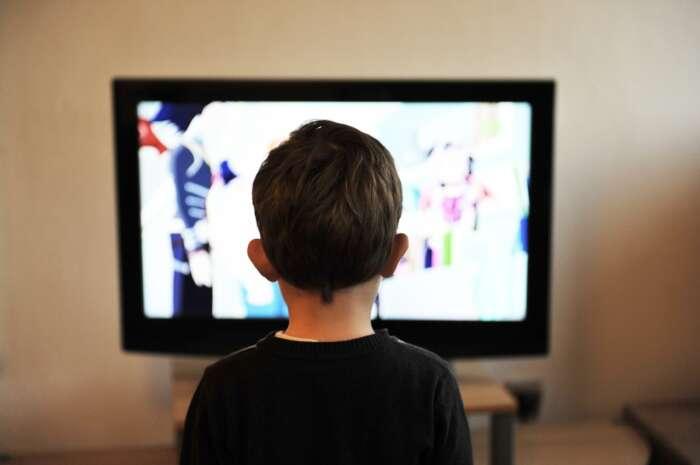 テレビは邪魔!スマホ1台で快適生活【テレビのコンテンンツはあまり意味がない】