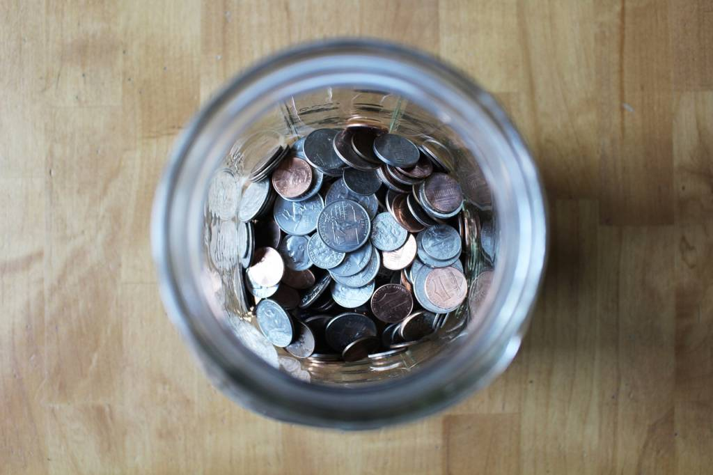 少しでもお金を貯めたいなら100円投資から始めよう【貯金を貯めたいけど、貯められない人の対処法】