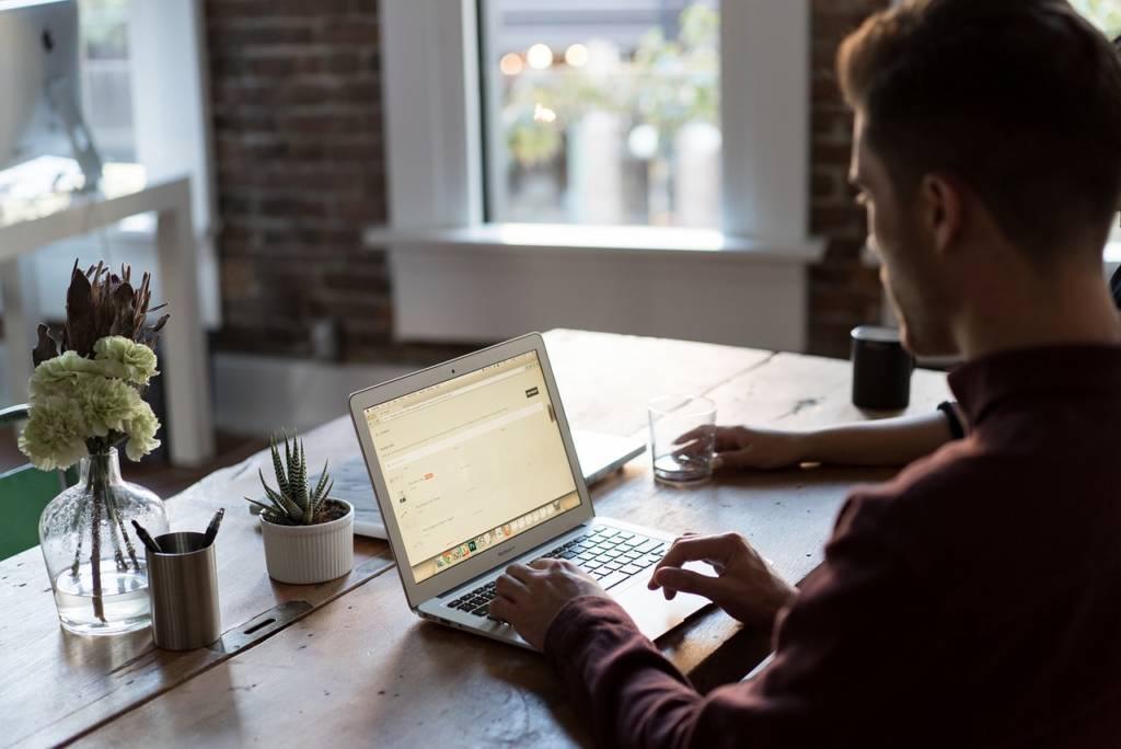 仕事をしながらでもブログは毎日書けます【自分の時間管理が大切】