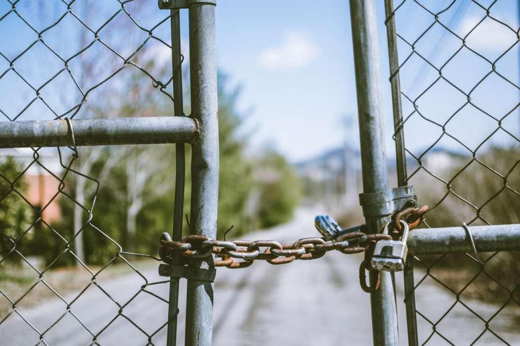 閉鎖的な田舎は危険!!【閉鎖的に起こる未来とは?】