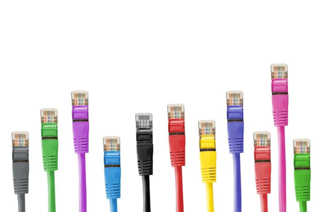 パソコンLANケーブルの選び方とWi-fiでも気をつける事!