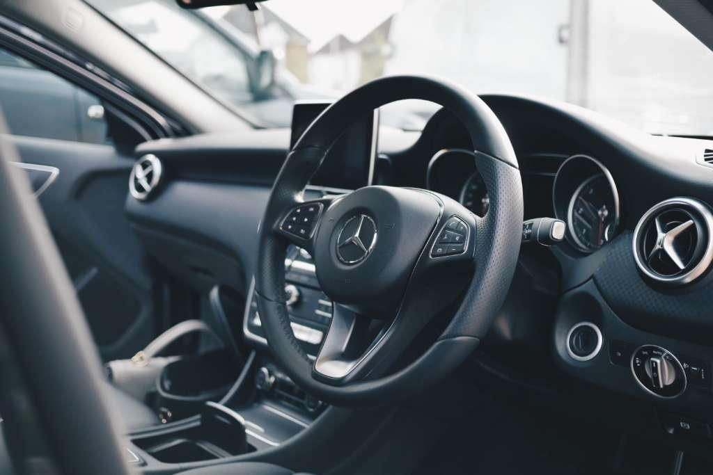 車に執着しても現代では余り意味がない【車で見栄はは無意味です】