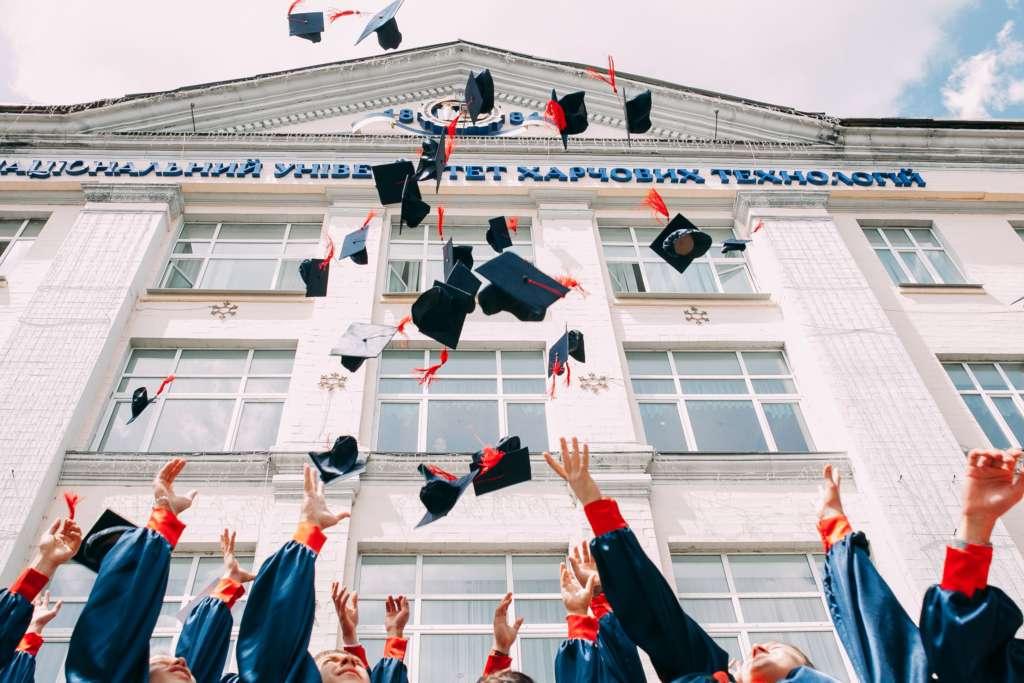 学校に行くのが嫌だった自分がなんとか卒業した時の話【決して不良ではありません】