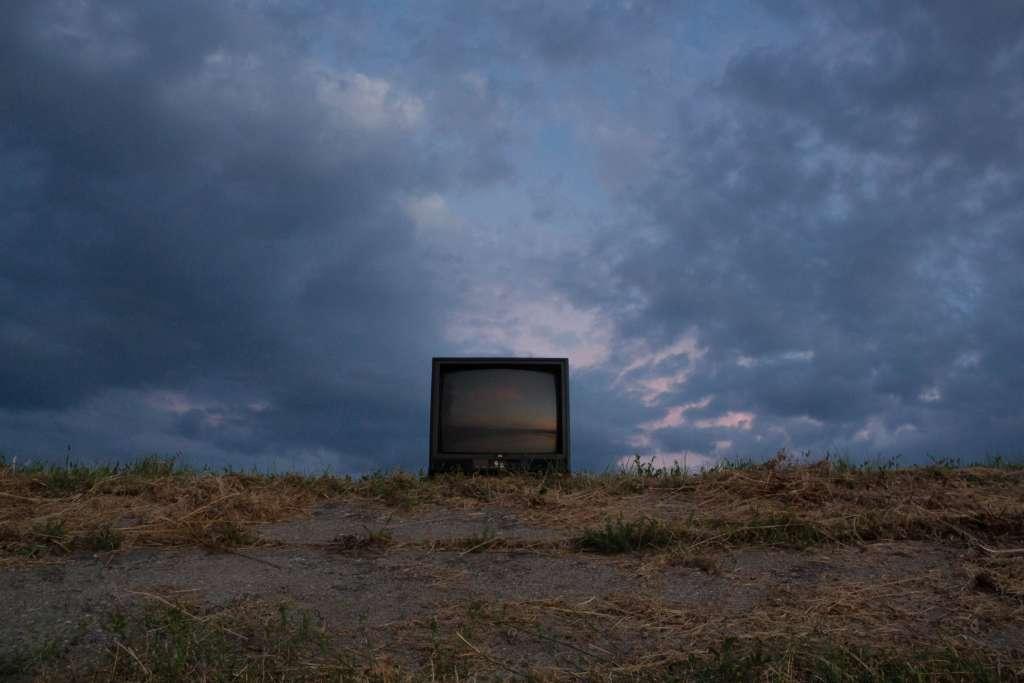 テレビを見る価値はない?若者がテレビを見ない理由【それでも無くならないのも事実】