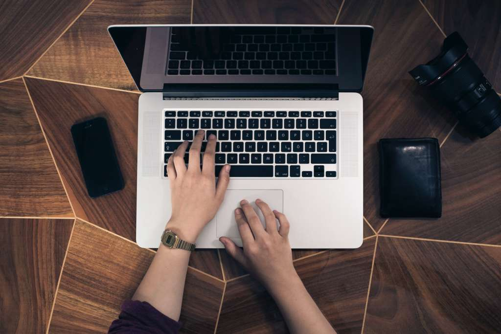 パソコンのタイピングを速度を上達させる方法【練習なんてダルくて出来ません】