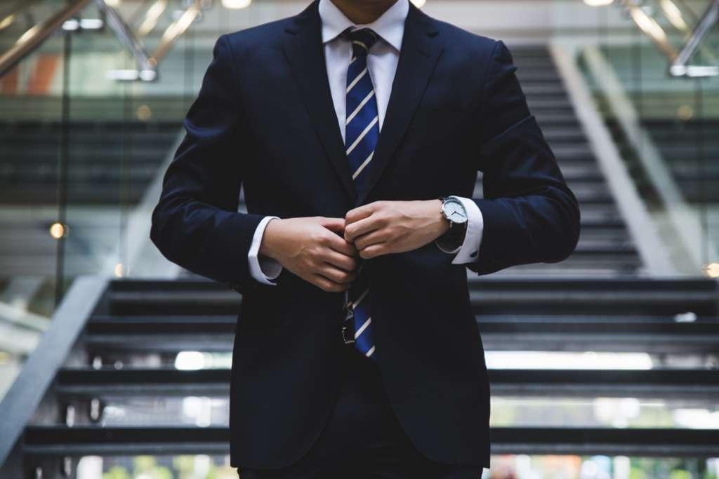 仕事をしているように見える信頼度を勝ち取る方法【真面目が一番です。】