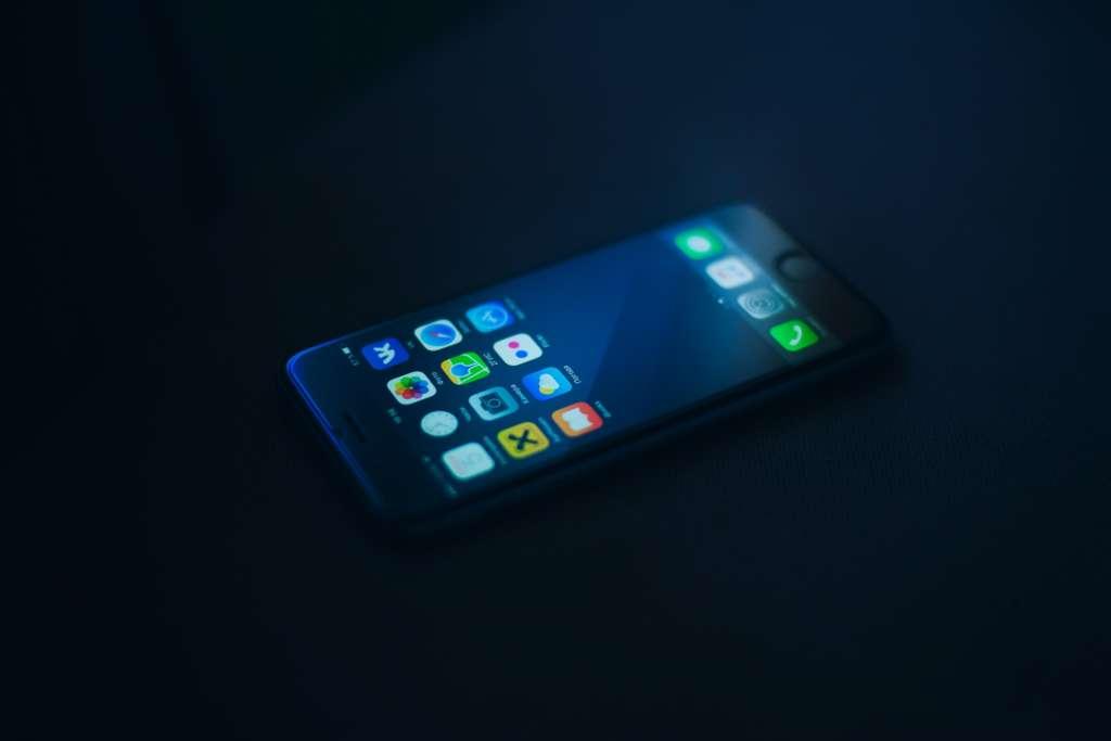 iPhoneの使用時間の確認方法【使いすぎと思ったら制限も可能】
