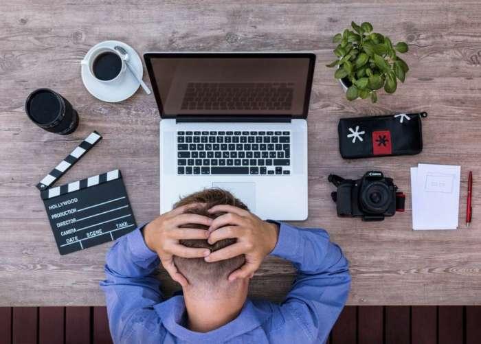会社で集中力が続かない環境の原因【会社では集中できる環境ではありません】