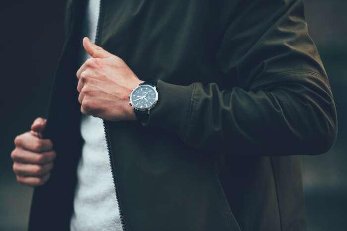 腕時計は無理に買う必要ないと思う理由【腕時計は社交辞令な時の方が多い】
