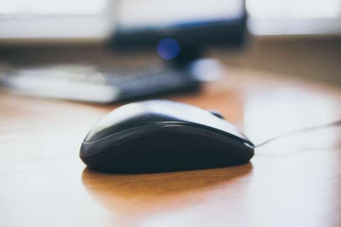 パソコンでマウスの動きが変になったらドライバーを入れ直せ【Windows】